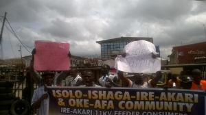 Isolo Ishagatedo Residents on the street to protest total blackout